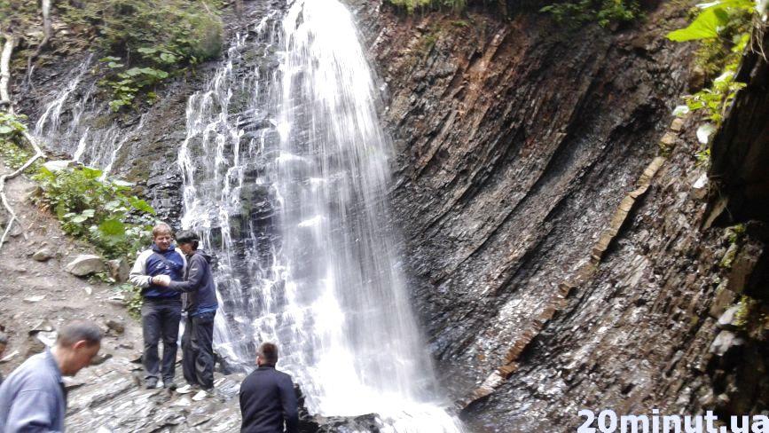 ТОП-3 водоспадів, які варто побачити у Карпатах