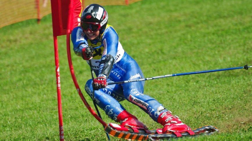 З квітня у Тернополі можна буде покататись на трав'яних лижах