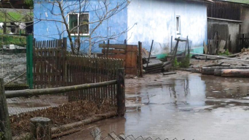 Негода на Тернопільщині знову наробила біда - люди не можуть вийти з помешкань