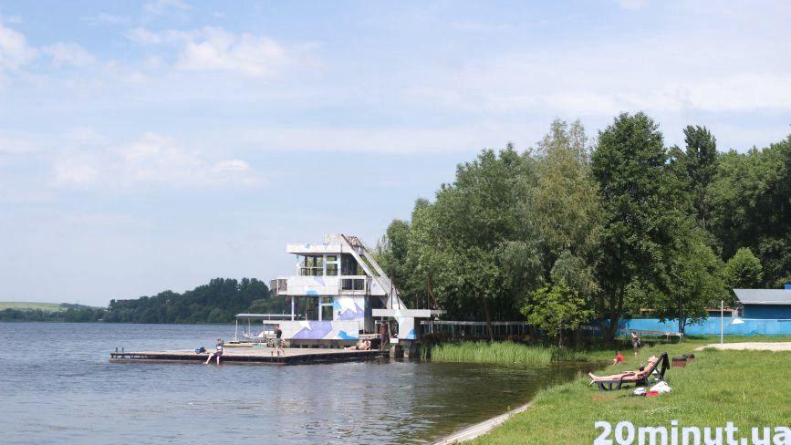 Воду в Ставі ще не перевірили, але тернополяни пляжний сезон вже розпочали