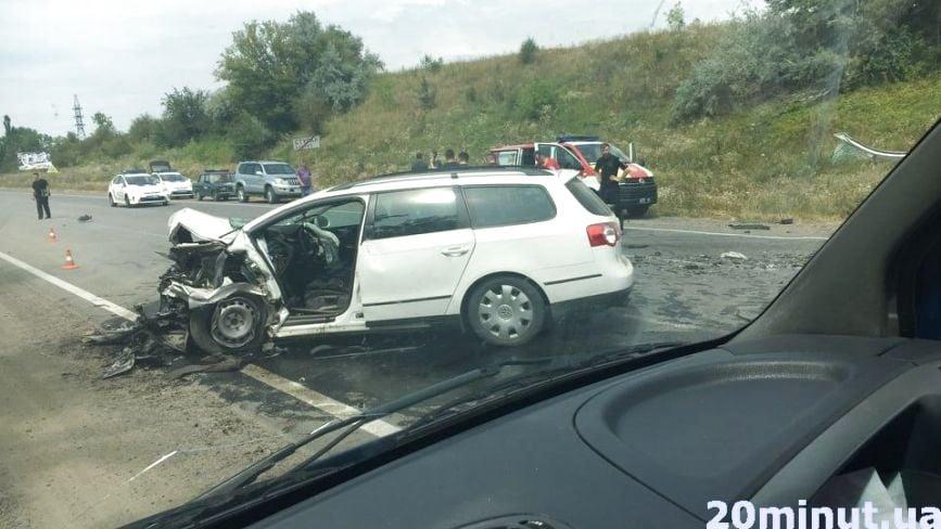 У Ступках страшна аварія. Пів автомобіля розтрощено, один з водіїв загинув