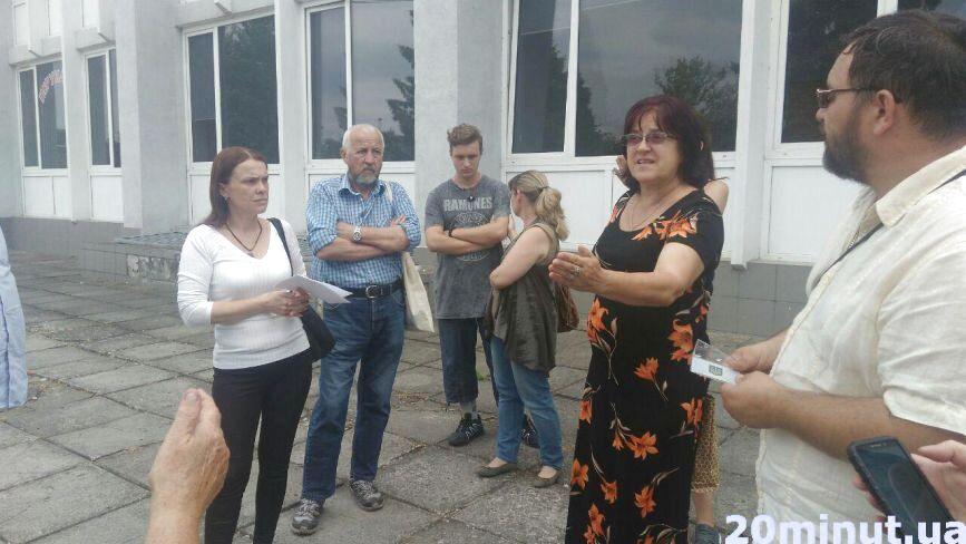 У Тернополі конфлікт між головами виборчих дільниць та ОВК
