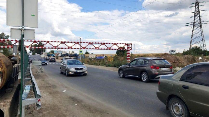 На Гаївському мості облаштовують опори