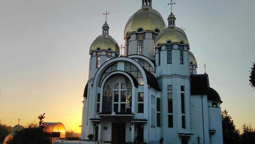 У Зарваниці триває мистецька проща художників з усієї України