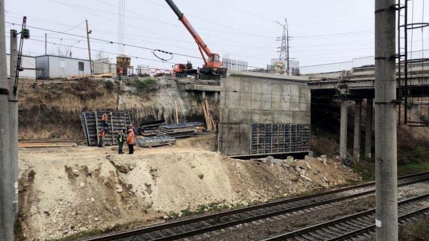 Фото дня: у Тернополі триває реконструкція Гаївського мосту