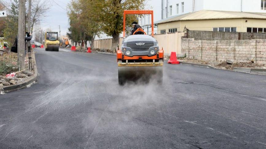 У Тернополі за кошти бюджету міста та підприємців відремонтували дорогу на Поліській