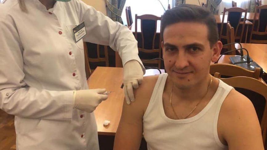 Головний медик Тернополя щепився від дифтерії