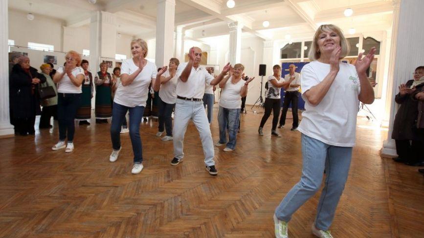 У Тернополі відкрили мотивуючу виставку «Я не боюся старіти»
