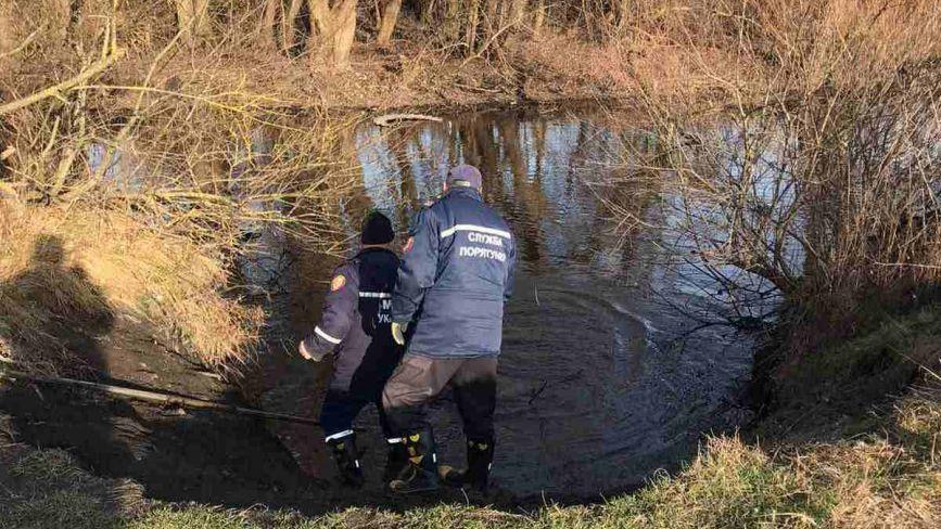 На Тернопільщині вода забрала життя двох рибалок