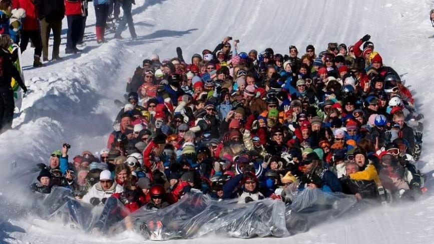 Тернопіль готується до нового рекорду: десятки людей одночасно з'їдуть з гірки
