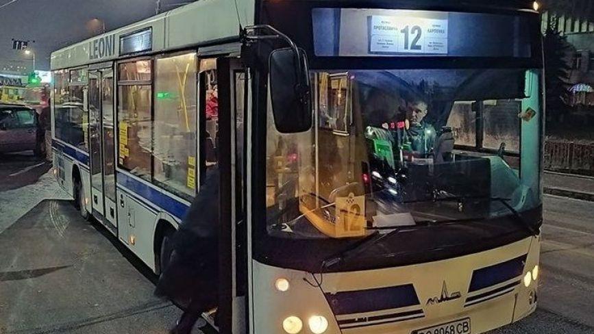 До громадського транспорту Тернополя додали ще один автобус і два тролейбуси