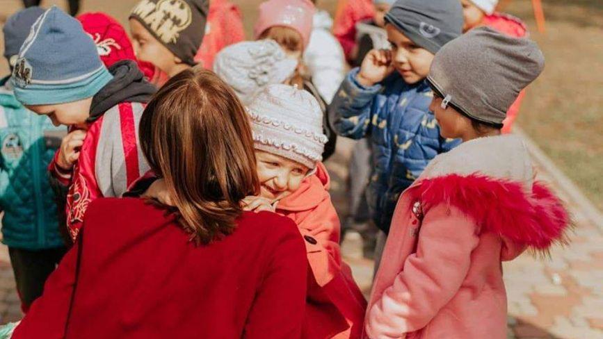"""""""Не забувайте про діток, коли закінчились свята"""": як допомогти вихованцям у дитячому будинку"""