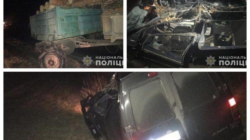 На Тернопільщині іномарка врізалася в причіп КамАзу: постраждала жінка