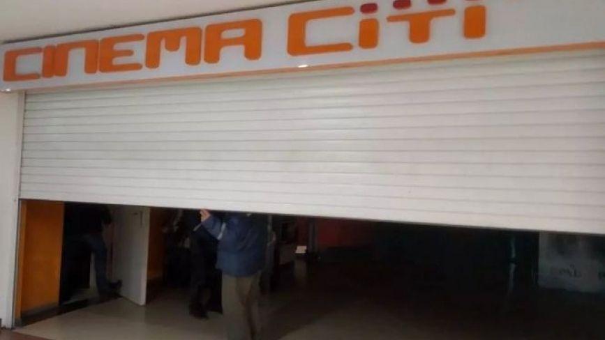 """У """"Cінема Сіті"""" досі немає світла, а глядачів запрошують на покази. Чи буде в Тернополі кінотеатр"""