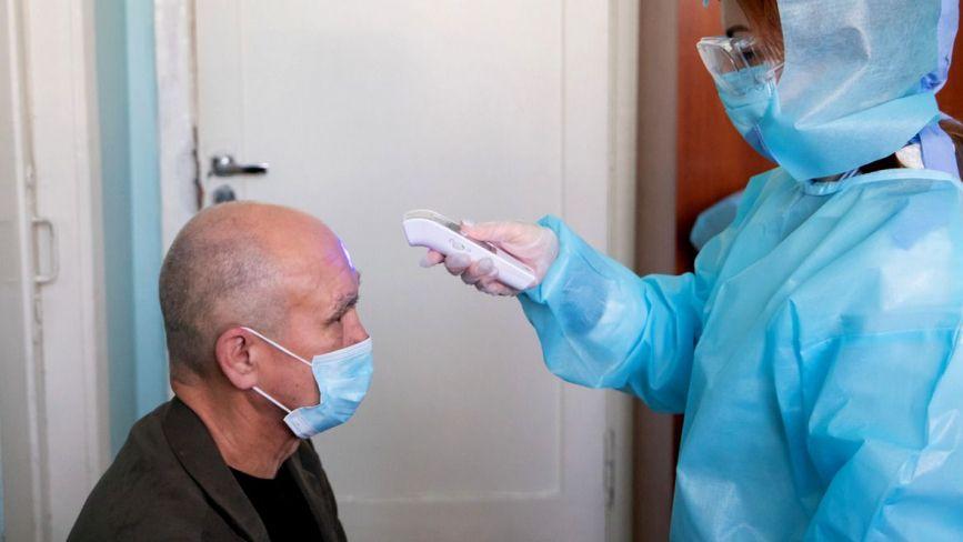 24 квітня буде від 8 до 58 тисяч хворих (на Тернопільщині - понад 960). Прогноз за оптимістичним і песимістичним сценаріями