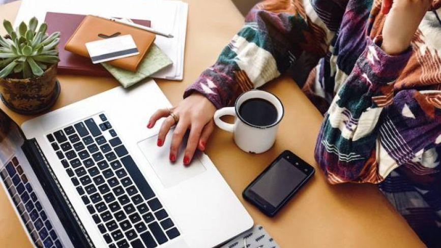 Робота в інтернеті під час карантину: чи реально заробляти гроші, сидячи вдома за комп'ютером