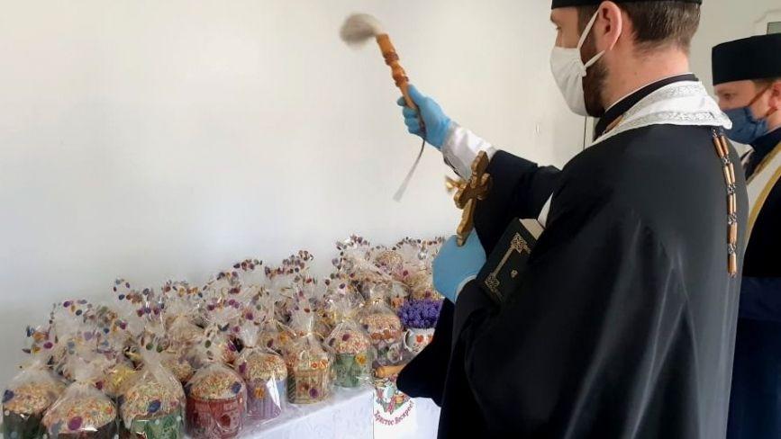 У магазинах Тернополя можна придбати освячені паски (ФОТО)