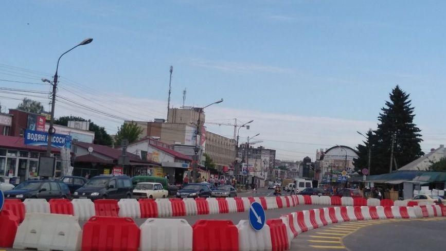 На перехресті вул. Оболоня і Митрополита Шептицького змінили схему дорожнього руху