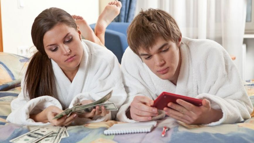 У кого мають бути гроші та як контролювати витрати: все про планування сімейного бюджету