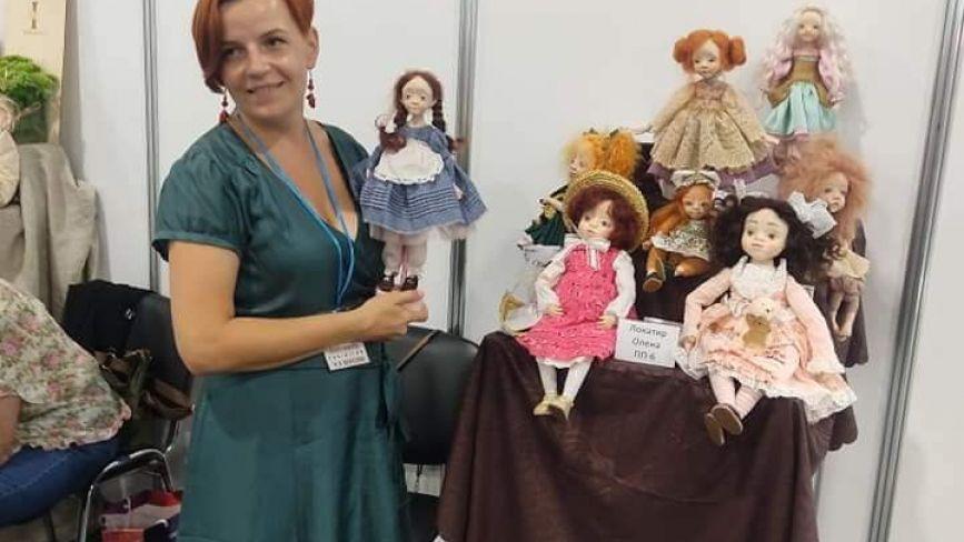 """""""Мої ляльки схожі на донечок"""":  майстриня з Кременця про таємниці створення дива"""