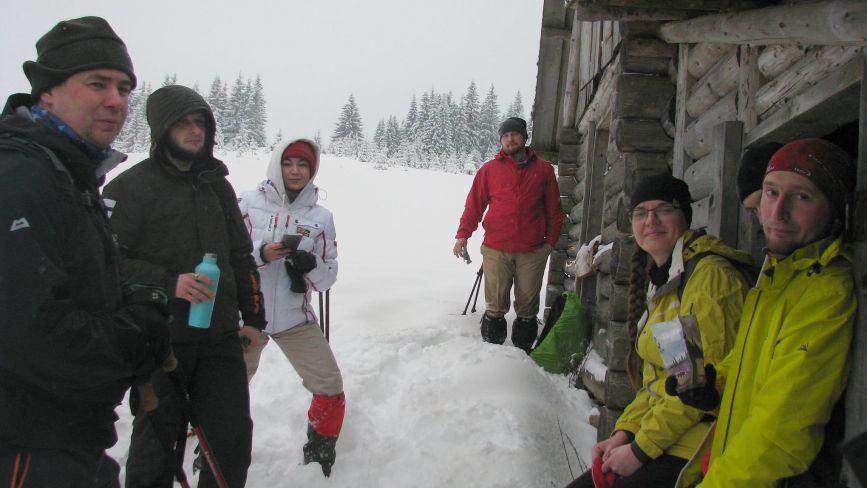 Ловіть зиму за хвіст! Ми підготували ТОП небанальних та бюджетних місць для відпочинку в Карпатах
