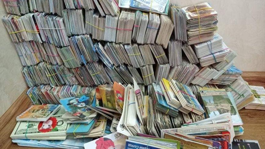 Має 8 тисяч календариків минулого століття і різних країн: жителька Бережан розповіла про колекцію