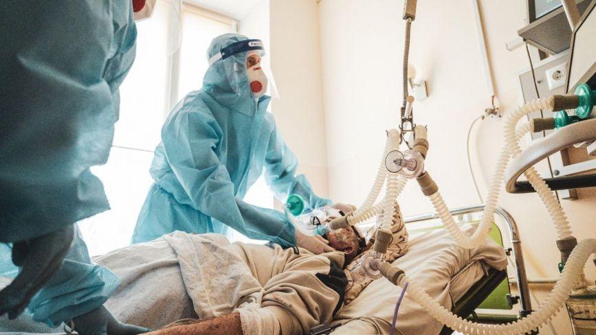 У лікарнях Тернополя – 270 хворих на COVID-19. Скільки пацієнтів на апаратах ШВЛ?