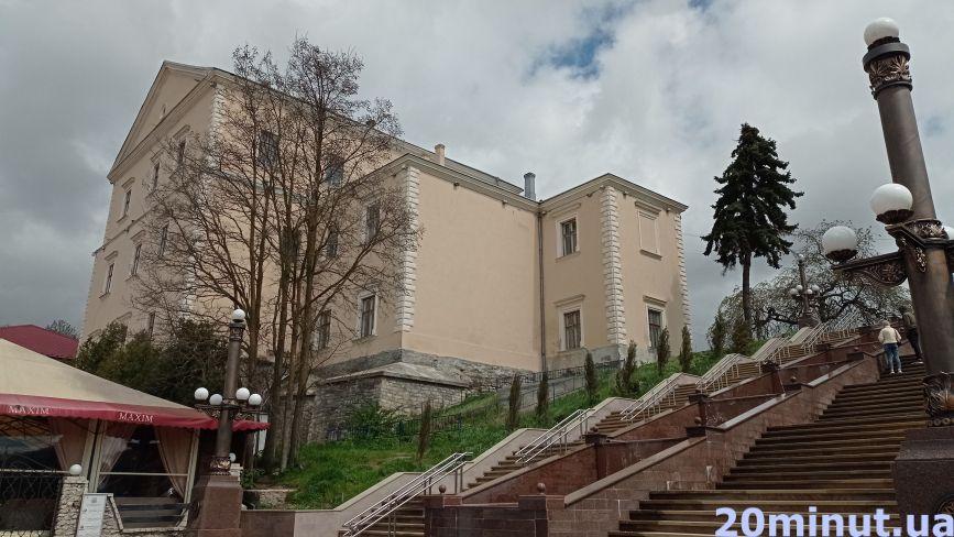 Від парків до театру: де можна відпочити та погуляти у Тернополі (ФОТО)