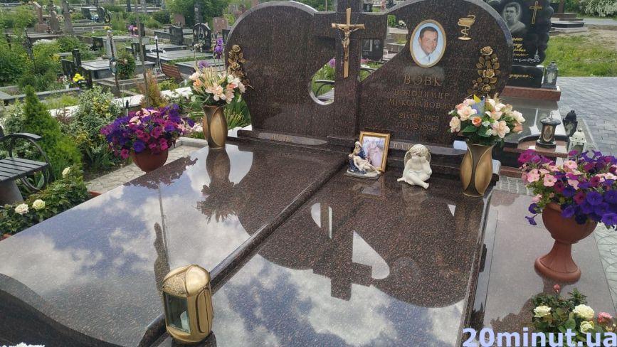 Спіть спокійно, солдати… Які Герої спочивають на Микулинецькому цвинтарі (ФОТО)
