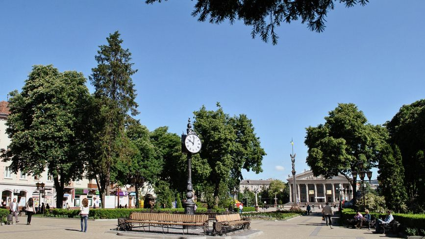 Комунальні приміщення в оренді та демонтаж МАФів в парках: головне із засідання міськвиконкому