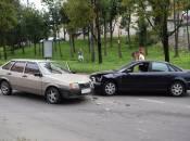 На Дружбі аварія: зіткнули два автомобілі