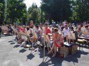 111 художників-аматорів одночасно намалювали вітрильник на Ставі і встановили рекорд