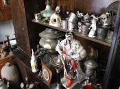 Медалі, старовинні монети, посуд та одяг: який антикваріат можна продати у Тернополі та де це зробити