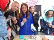 """Рятували """"потерпілих"""" та робили прикраси із шоколаду: як минув кар'єрний форум на Тернопільщині"""