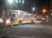 """В """"Центрі"""" зламався тролейбус: біля технічного затор. Де ще у місті ускладнений рух"""