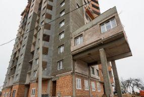 Що робити, якщо сусід вирішив збільшити квартиру добудовою