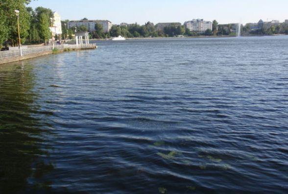 Одна з проблем Тернопільського ставу - каналізаційні витоки, кажуть активісти