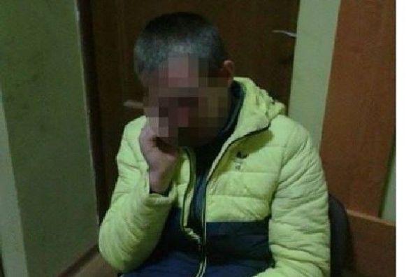На вокзалі піймали чоловіка, якого розшукують за крадіжку кількох тонн пшениці