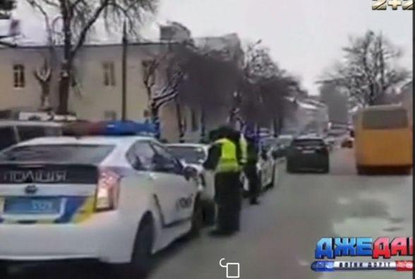 Аварії між поліцейським авто та Славутою не було, - кажуть в патрульній полції