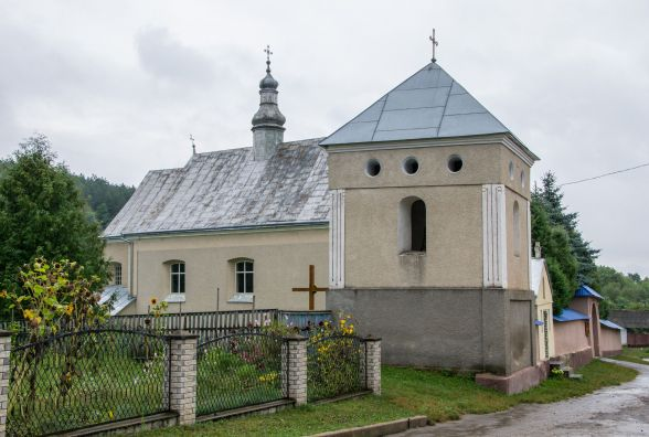 Через гірлянду горіла церква у Заліщицькому районі