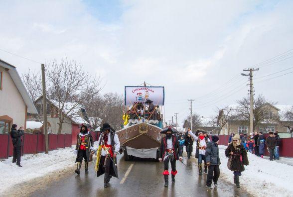 Маланка на Тернопільщині: піратський корабель і козаки