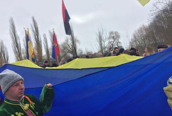 На кордоні Тернопільщини та Хмельниччини святкують День соборності України