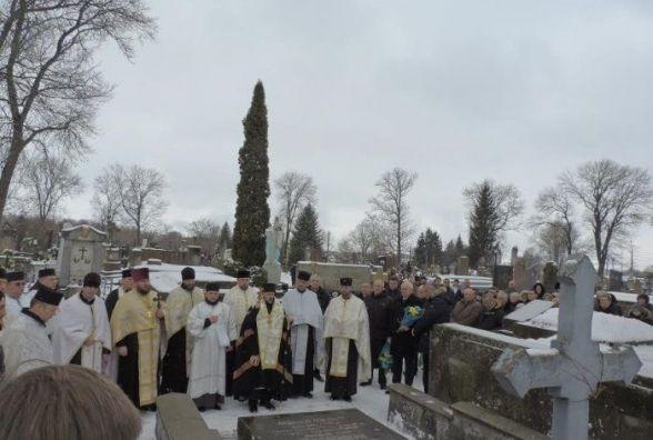 На Микулинецькому кладовищі вшанували пам'ять борців за незалежність