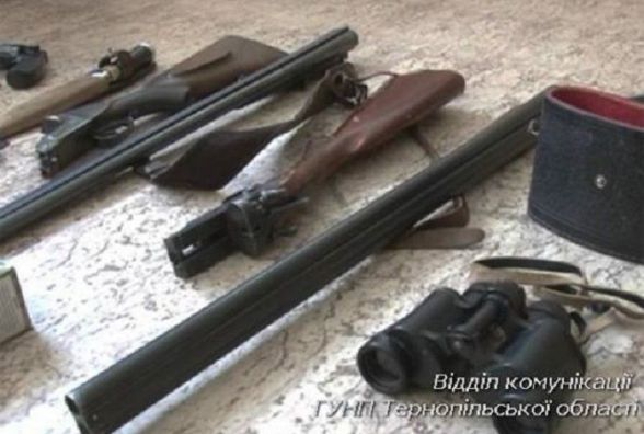 За незаконне зберігання зброї двоє чоловіків заробили кримінальне провадження