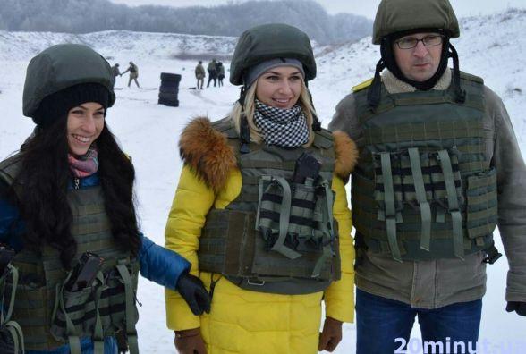 Фото дня: тернопільські журналісти вчились стріляти з АК