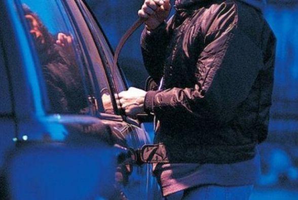 Власники машин потерпають від автозлодіїв