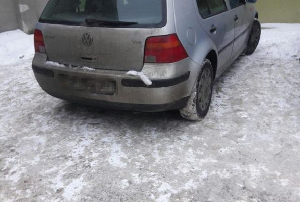 Авто з підробленими документами упіймали на вулиці Живова