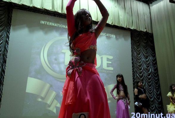 Всеукраїнський конкурс східного танцю проводиться в Тернополі (ВІДЕО)