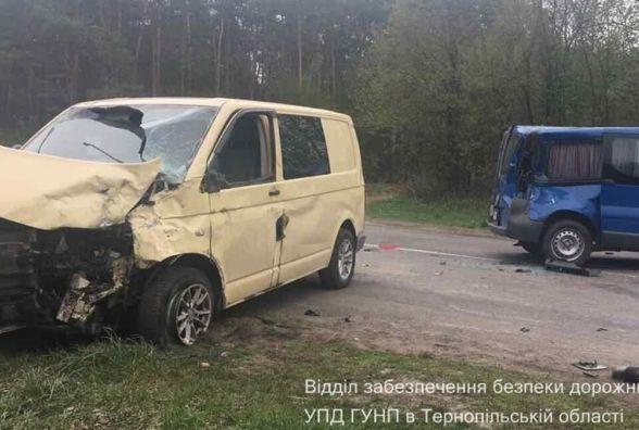 ДТП на Кременеччині: зіткнулись три автівки, двоє людей у лікарні