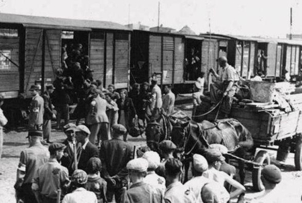 Як депортували українців із Польщі свідчать документи в архіві
